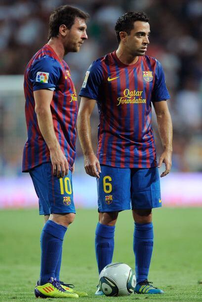 Messi y Xavi esperaban a cobrar un tiro libre. Al final, el argentino lo...