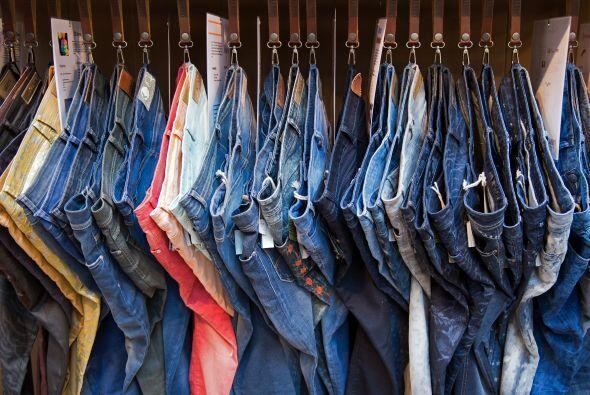 Beca Regala Jeans a los Indigentes en tu Comunidad |  $4.000, un ganador...