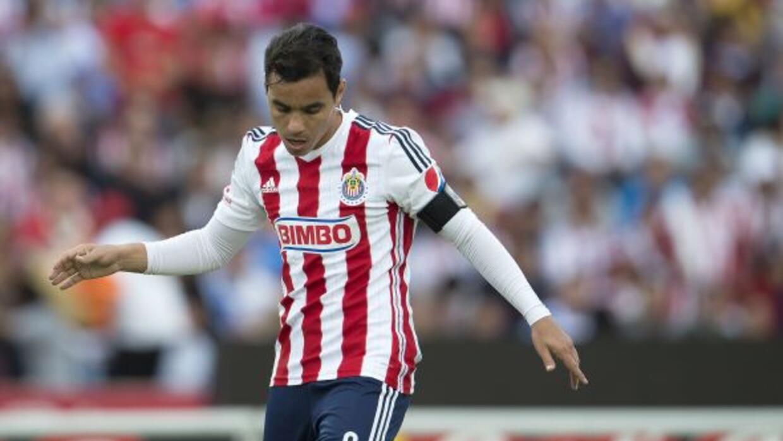 El delantero de Chivas de Guadalajara está consiente que la lucha por el...