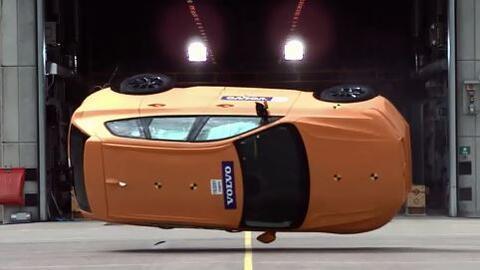 En video: Así se vive una volcadura dentro del nuevo Volvo