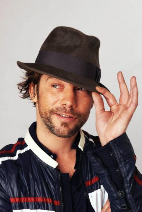 3.- Jay Kay: El vocalista de la banda inglesa Jamiroquai es otro adicto...