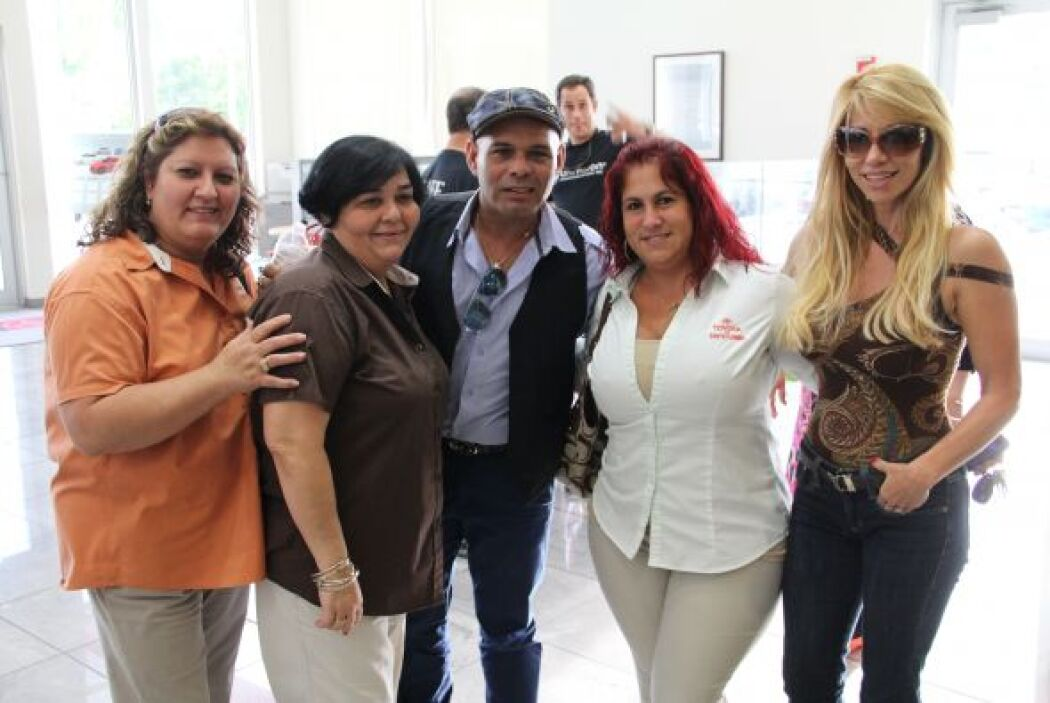Jose y Roxy celebraron los 45 años de Toyota of South Florida en una sup...