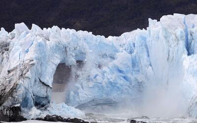 Se rompe el glaciar Perito Moreno en pleno día