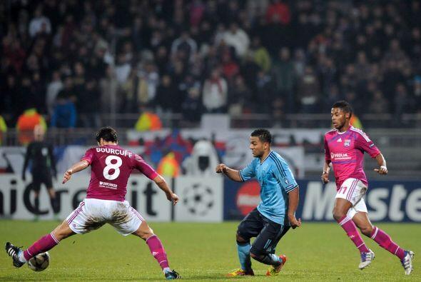 En otros duelos, el Ajax se metió a la casa del Lyon con el objet...