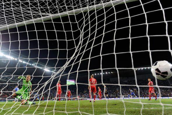 El balón terminó en las redes y el Chelsea tomaba ventaja.