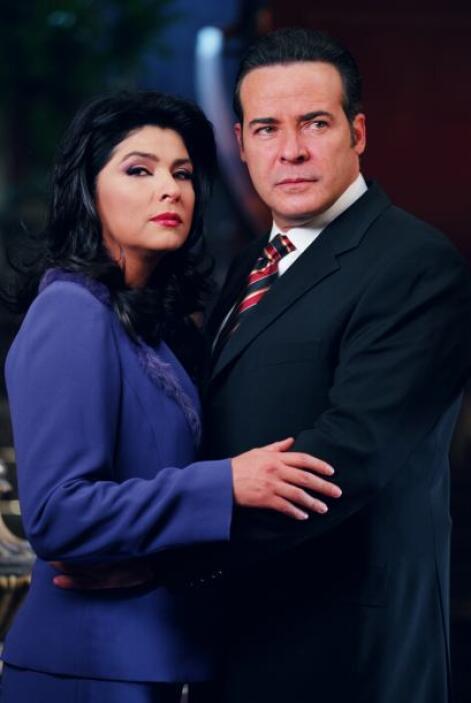 """Victoria Ruffo y César Évora protagonizaron """"La Madrastra"""" donde tenían..."""