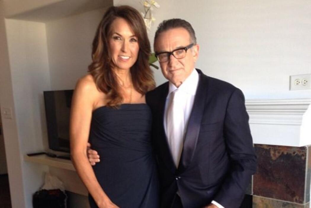 Momentos antes de partr a los Emmy con su bella esposa Susan.