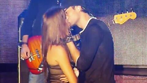 Enrique Iglesias, Romeo Santos y más: estos son los famosos más besucone...