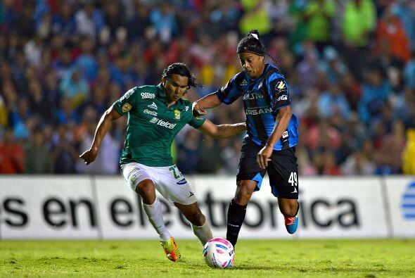 Querétaro: Los Gallos esperan que Ronaldinho se acople aún más de lo que...