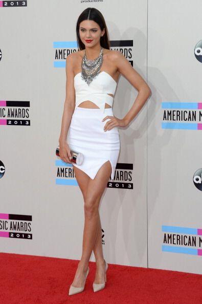 ¿Qué tal este vestido de Keepsake en color blanco que Kend...
