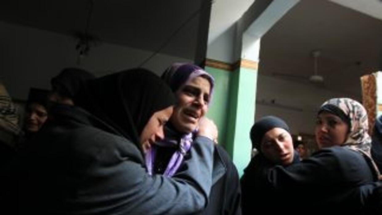 El Ejército israelí repondió con bombardeos a los lanzamientos de cohete...