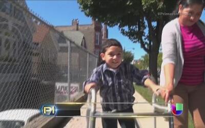 Un niño con parálisis cerebral cruzó la frontera y ahora podría ser depo...