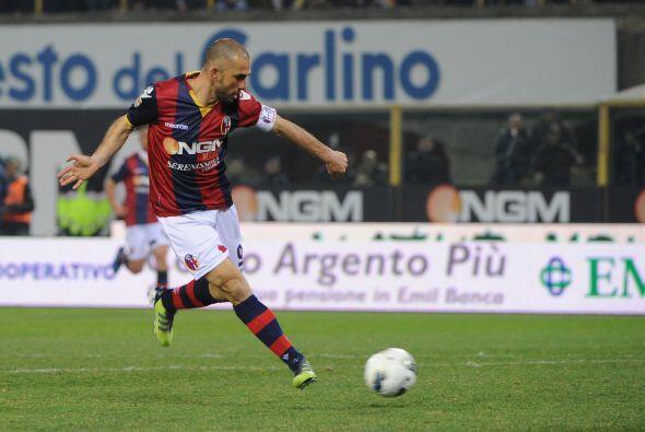 En los primeros minutos, Marco Di Vaio sorprendió a todos con una...