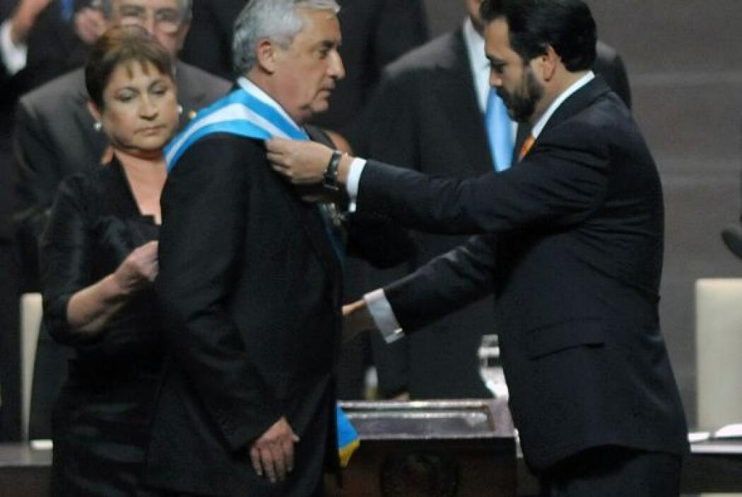 Enero 14- El general retirado Otto Pérez Molina asumió la presidencia de...