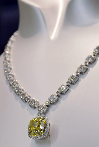 Es de Tiffany y su precio es de $3.86 millones. Sería el regalo p...