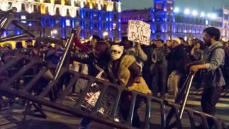 La marcha de la noche del sábado en el Zócalo de Ciudad de México termin...