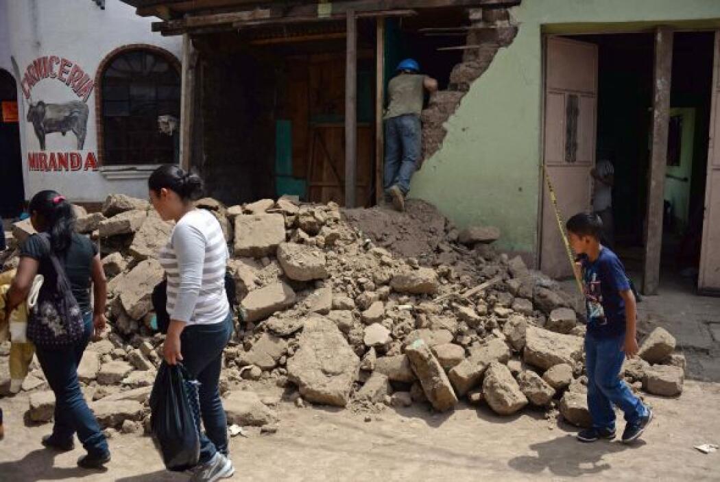 En México En la ciudad hubo reporte de bardas caídas y afectaciones en l...