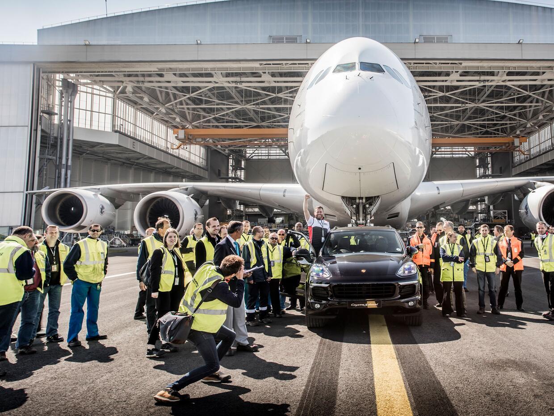 Porsche high_cayenne_s_diesel_air_france_a_380_paris_charles_de_gaulle_a...