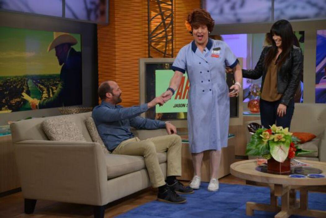 Miss Meche apenas miró al actor de la pantalla grande y se le fueron los...