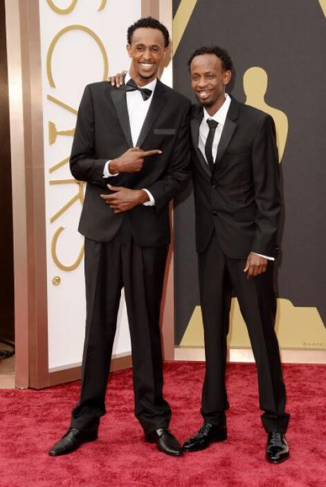 Barkhad Abdi quiso estar en la lista de los mejores vestidos, por ello s...