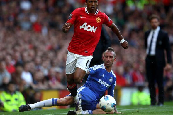 Nani dio una cátedra de buen fútbol.