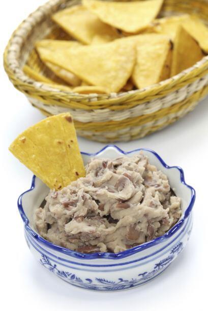 Frijoles con nachos. Prueba esta opción propuesta por Eating Well: combi...