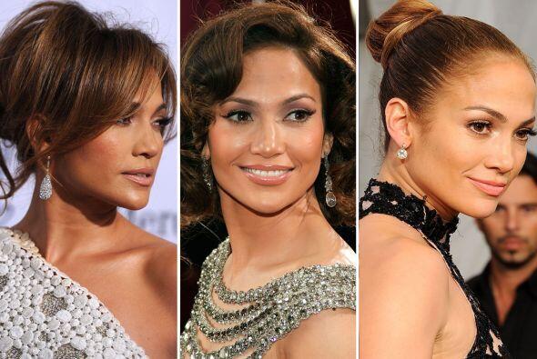 La cantante tiene una gran variedad de peinados que van desde lo elegant...