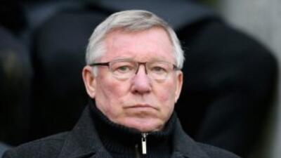 Sir Alex Ferguson seguirá entrenado luego de la actual temporada.