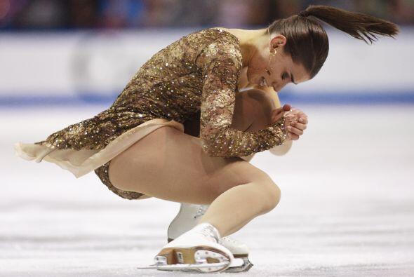 Las canadienses mantuvieron el calor en la pista de hielo de Ontario.