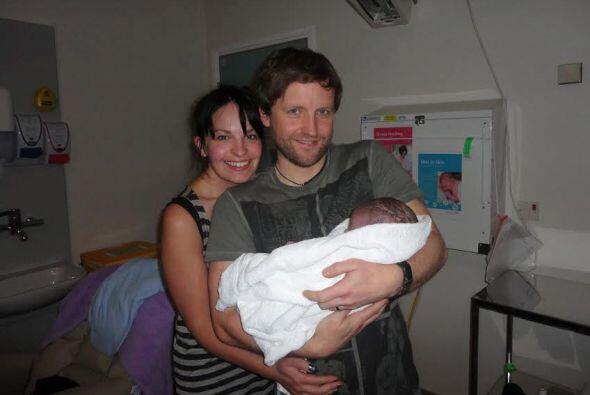 Mike y Susan fueron los primeros en tener en sus brazos a su hijo Dougie.
