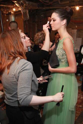 Pero Kendall ya es toda una celebridad en las pasarelas, sobre todo para...