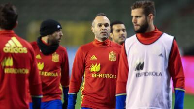 Jugadores españoles practican en Bélgica antes del partido amistoso