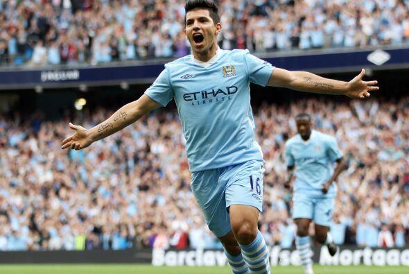 El 'Kun' Aguero y sus goles ponen al City en lo más alto de la ta...