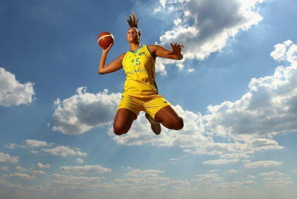 Liz Cambage es una hermosa basquetbolista australiana, de grandes cualid...