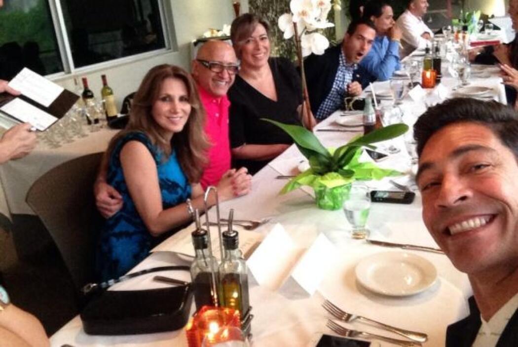 """Entre compañeros, gracias Jefe @AlbertoCiurana @RodnerFigueroa @luzmado..."