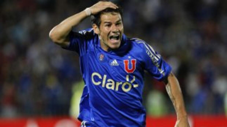 El uruguayo Rogelio Mora anotó el único gol del partido en el triunfo de...