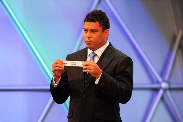 Ronaldo también participo del sorteo y se lo vio un poco más 'gordinho'.