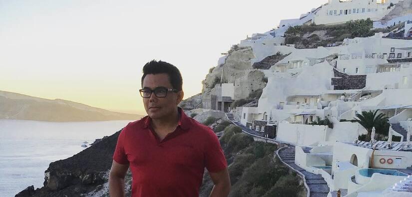 Raúl Brindis en Grecia
