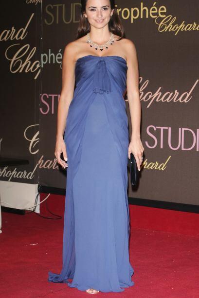 Elegancia, postura, peinado. Revive los mejores vestidos y estilos de Pe...