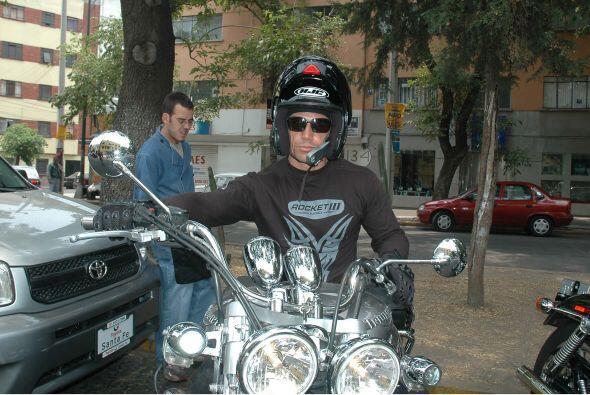 Sergio Mayer también ha sufrido accidentes por gozar de la velocidad.