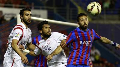 El cuadro andalúz se impuso en Valencia y sigue cuarto en la Liga.