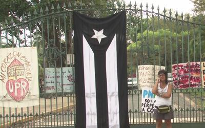 Estudiantes de la Universidad de Puerto Rico realizan un paro