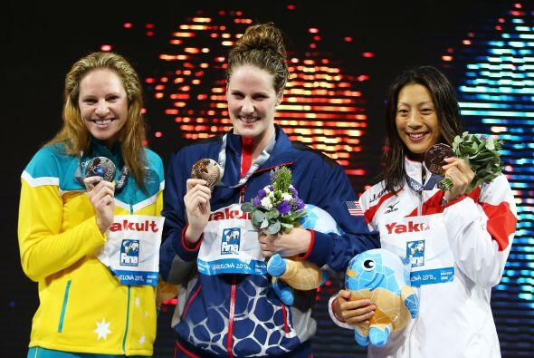 Detrás de Franklin quedaron la australiana Emily Seebohm y la jap...