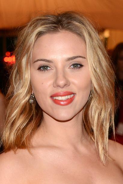 Scarlett Johansson es el sueño de millones de caballeros. Mira aq...