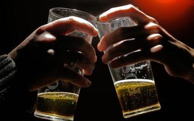 Cuatro millones de personas en México abusan del alcohol; los jóvenes so...