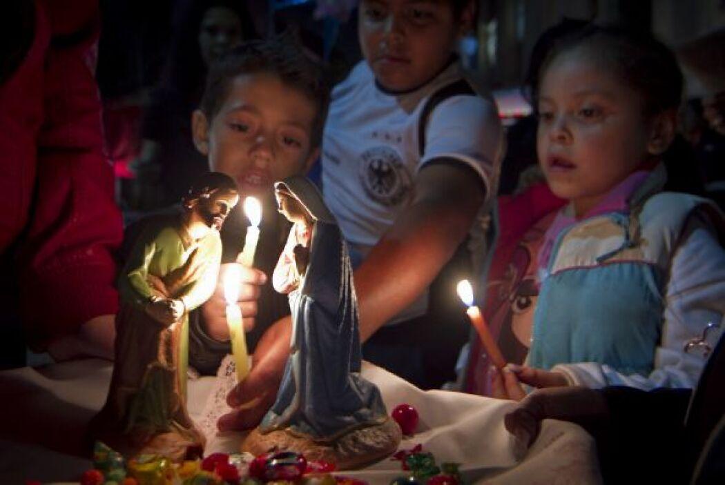 Estas fiestas recuerdan el peregrinaje de María y José desde su salida d...