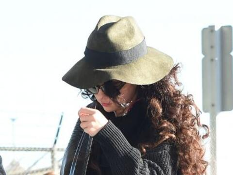 La cantante fue captada en el aeropuerto JFK, pero parecía que no...