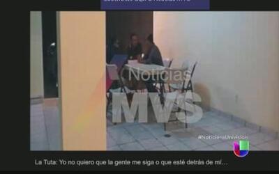 Video exhibe a dos periodistas recibiendo dinero de Servando Gómez 'La T...