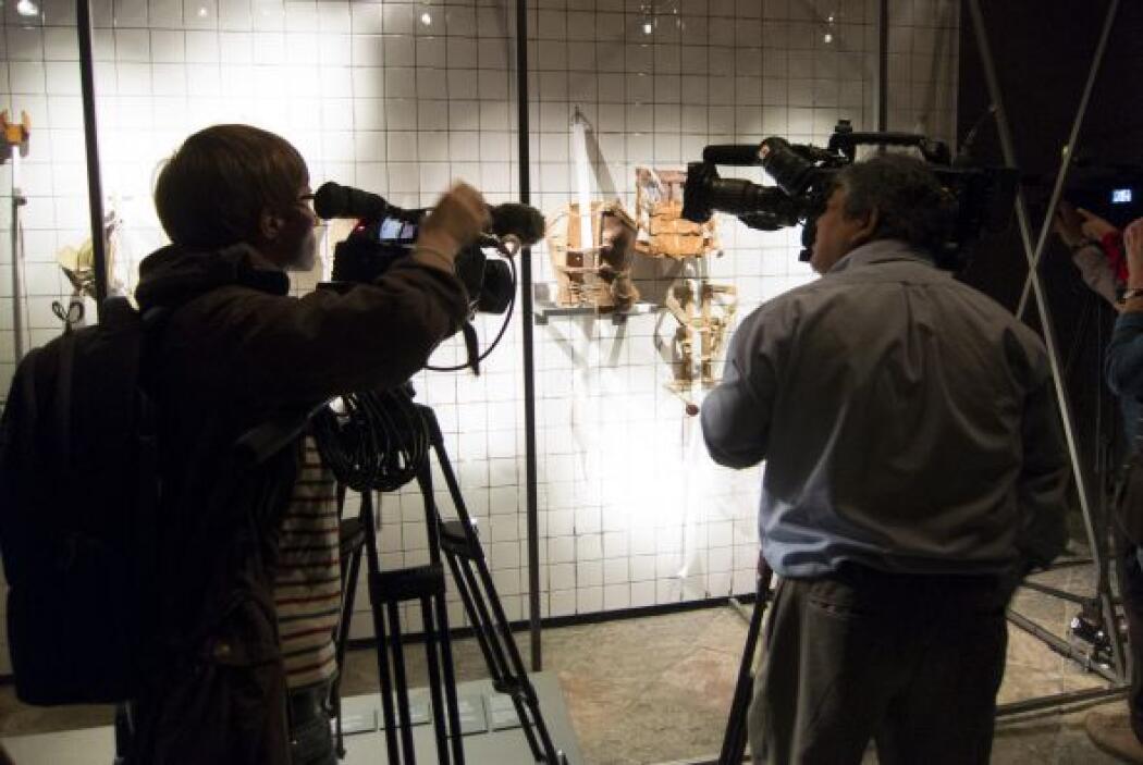 La muestra incluye tres corsés artísticos, uno de ellos diseñado en cuer...