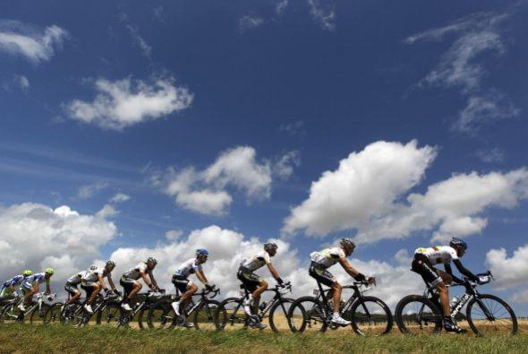 El clima es propicio para los ciclistas, pues la ausencia de lluvia hace...